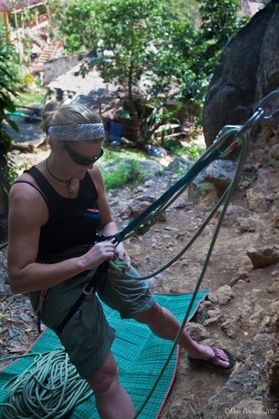 Rock-Climbing-Railay-Krabi-thailand-11
