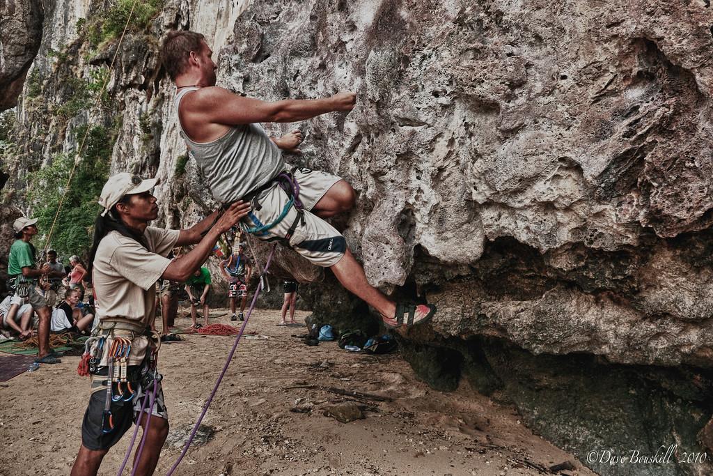 Rock-Climbing-Railay-Krabi-thailand-32