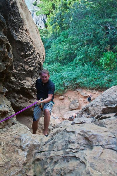 Rock-Climbing-Railay-Krabi-thailand-17