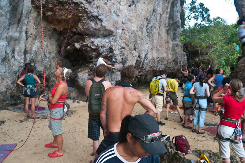 Rock-Climbing-Railay-Krabi-thailand-3