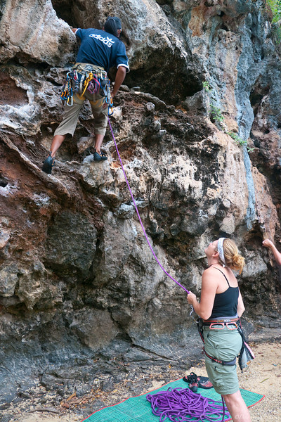 Rock-Climbing-Railay-Krabi-thailand-6