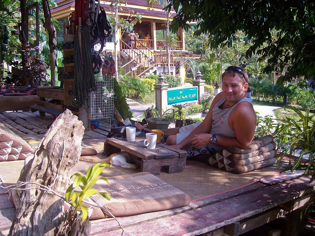 Rock-Climbing-Railay-Krabi-thailand-40