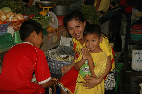 Happy Family - Krabi, Thailand