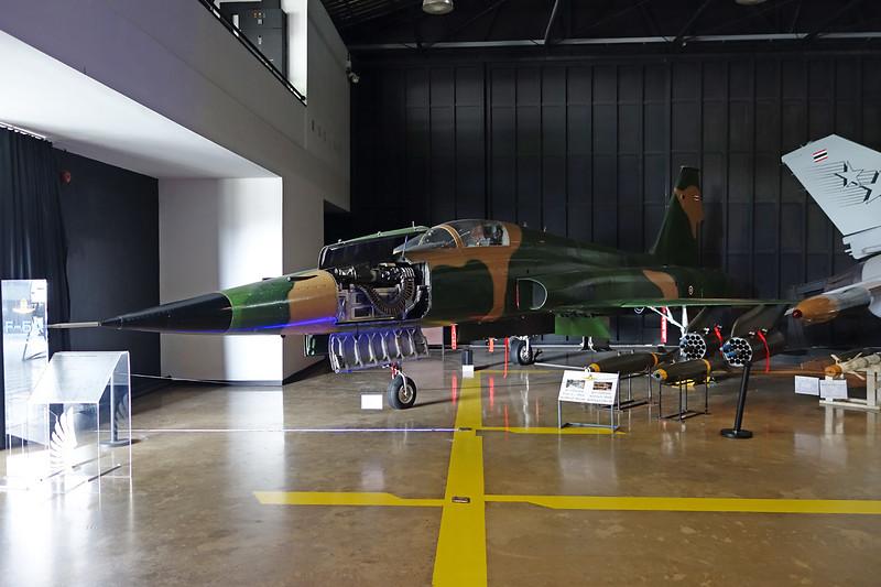 B.Kh18-13/17 (70143/38371) Northrop F-5A Freedom Fighter c/n N6008 Bangkok-Don Muang/VTBD/DMK 27-04-15