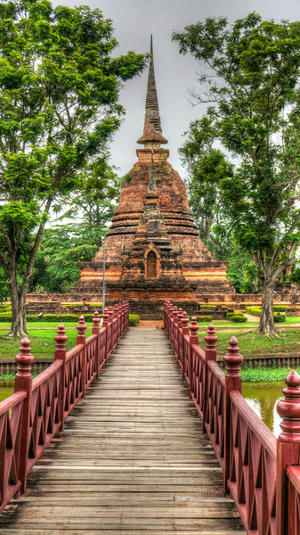 Sukhothai Temple Bridge