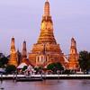 Busy morning at Wat Arun