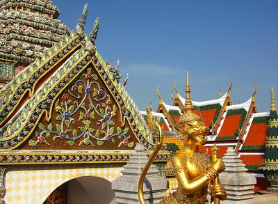Demon standing guard at the Grand Palace - Bangkok