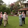 Tb 0012 AGS groep in tuin van Shangri La hotel