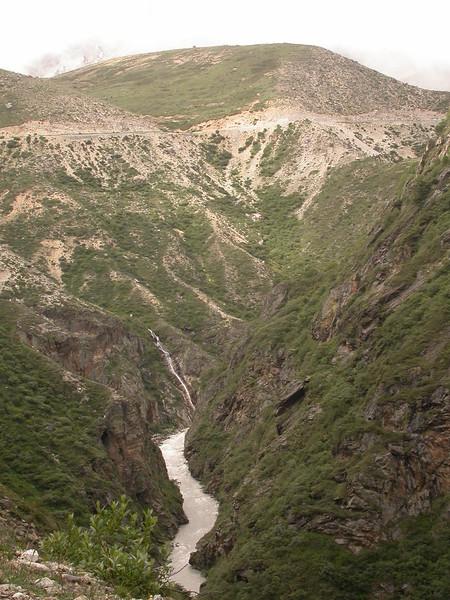 Tb 0242 tussen Zhangmu en Nyalam
