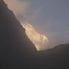 Tb 2081 optrekkende mist bij Thangsum (4387 m)