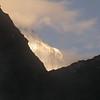 Tb 2082 optrekkende mist bij Thangsum (4387 m)