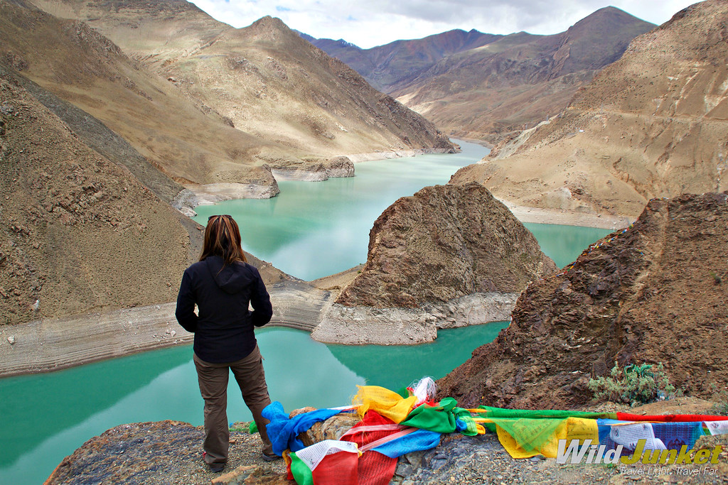 Pictures of Tibet: The Beautiful and Spectacular Roof of the