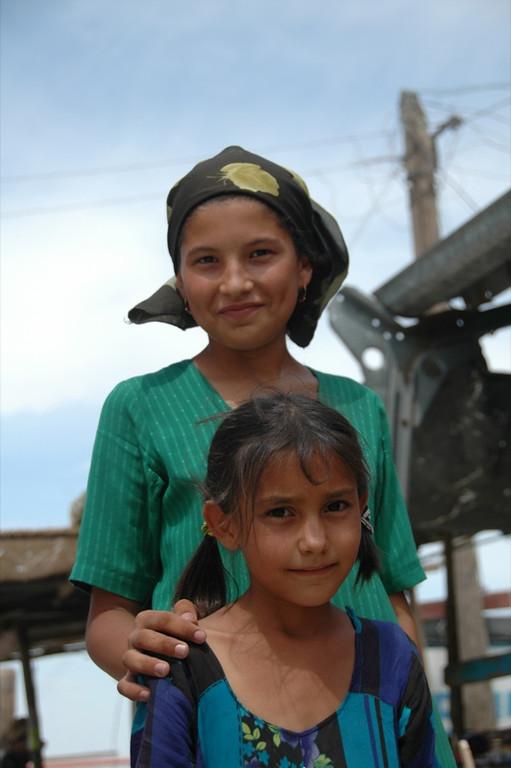 Sisters - Paraw Bibi, Turkmenistan