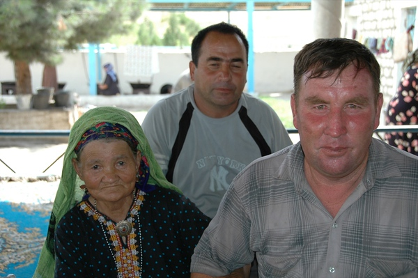 Mother with Sons - Paraw Bibi, Turkmenistan