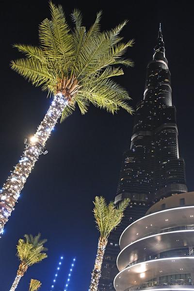 dubai - burj khalifa at night