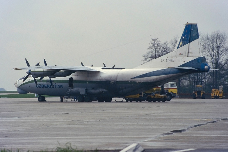 "UK-11418 Antonov An-12BP ""Uzbekistan Airways"" c/n 7344705 Maastricht-Aachen/EHBK/MST 25-11-96 (35mm slide)"