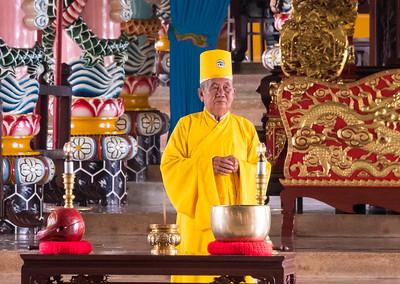 Cao Dai Noontime Service - Tay Ninh