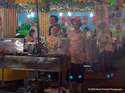 Cooking up a storm in the night market