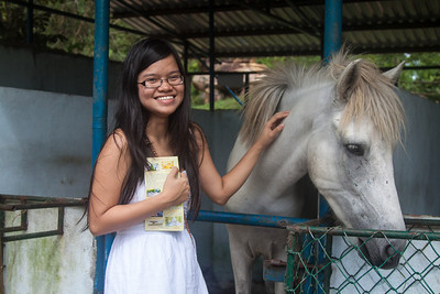 Quynh & horse