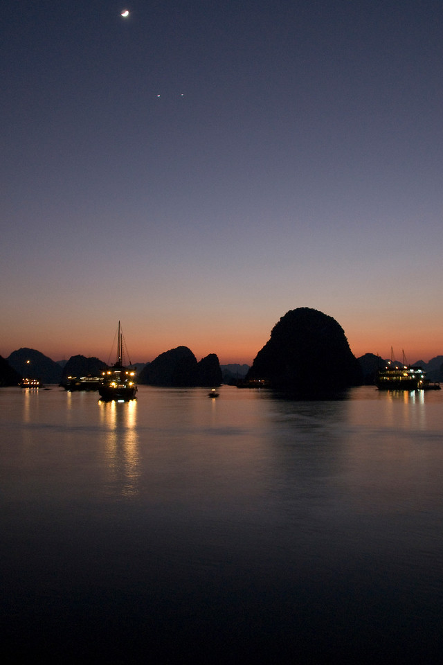 Beautiful lights during sunset in Ha Long Bay, Vietnam