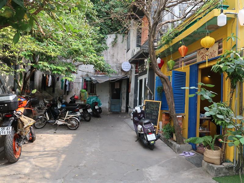 Chu Manh Trinh shops
