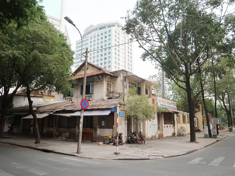 Corner of Nguyen Du and Chu Manh Trinh