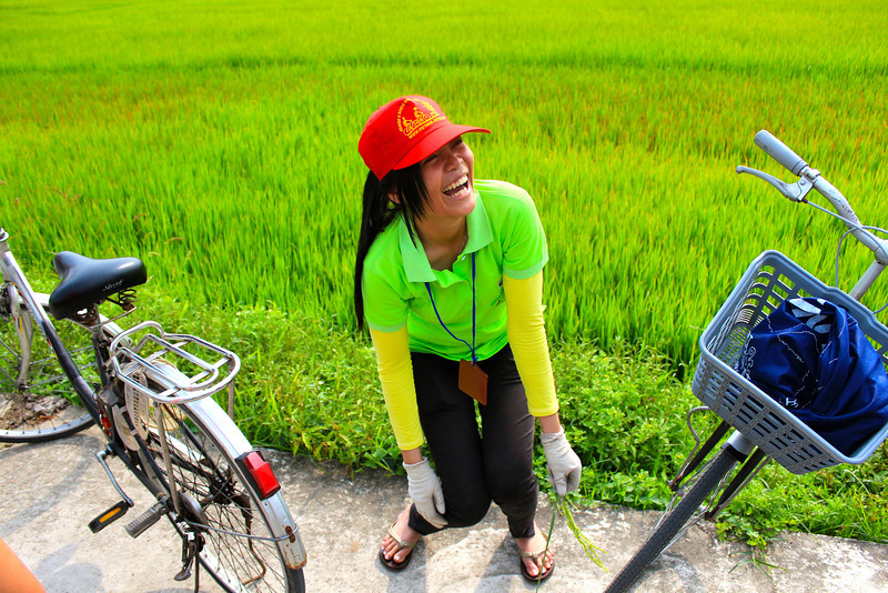 Happy Bicycle Tour Guide