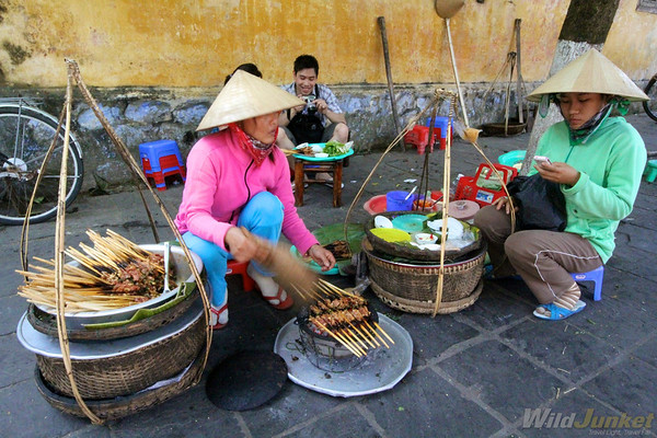 Street vendors in Hoi An