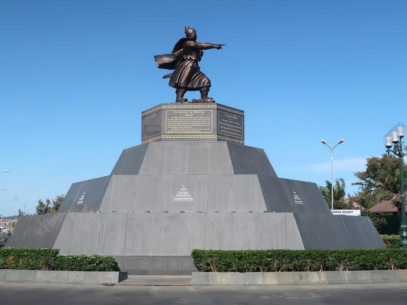 Nam Quoc Son Ha Statue