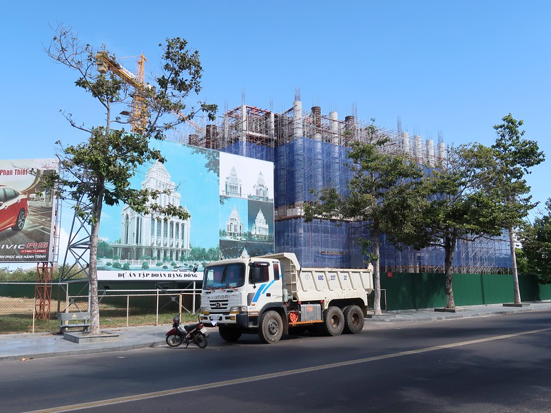 Rang Dong Office construction