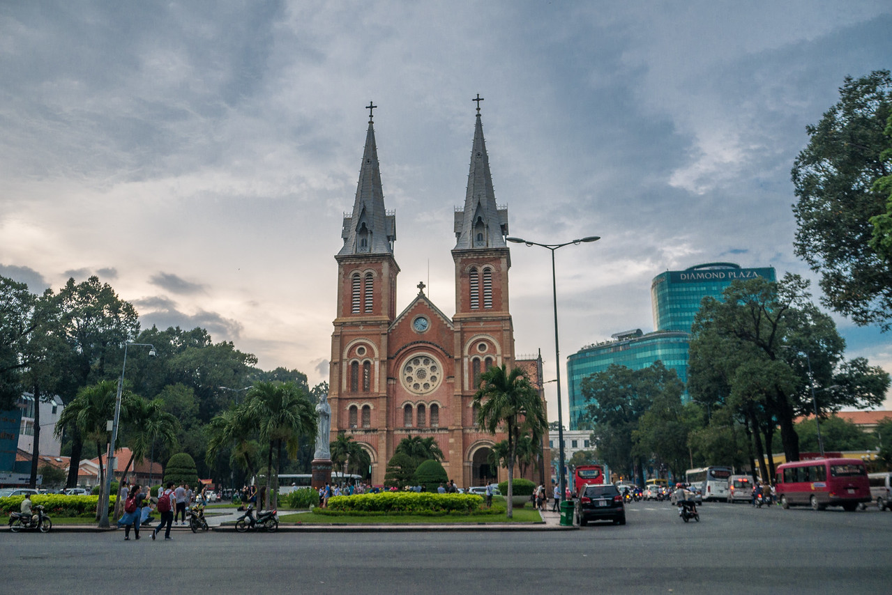 Notre Dame Basilica (Nhà thờ Đức Bà Sài Gòn)