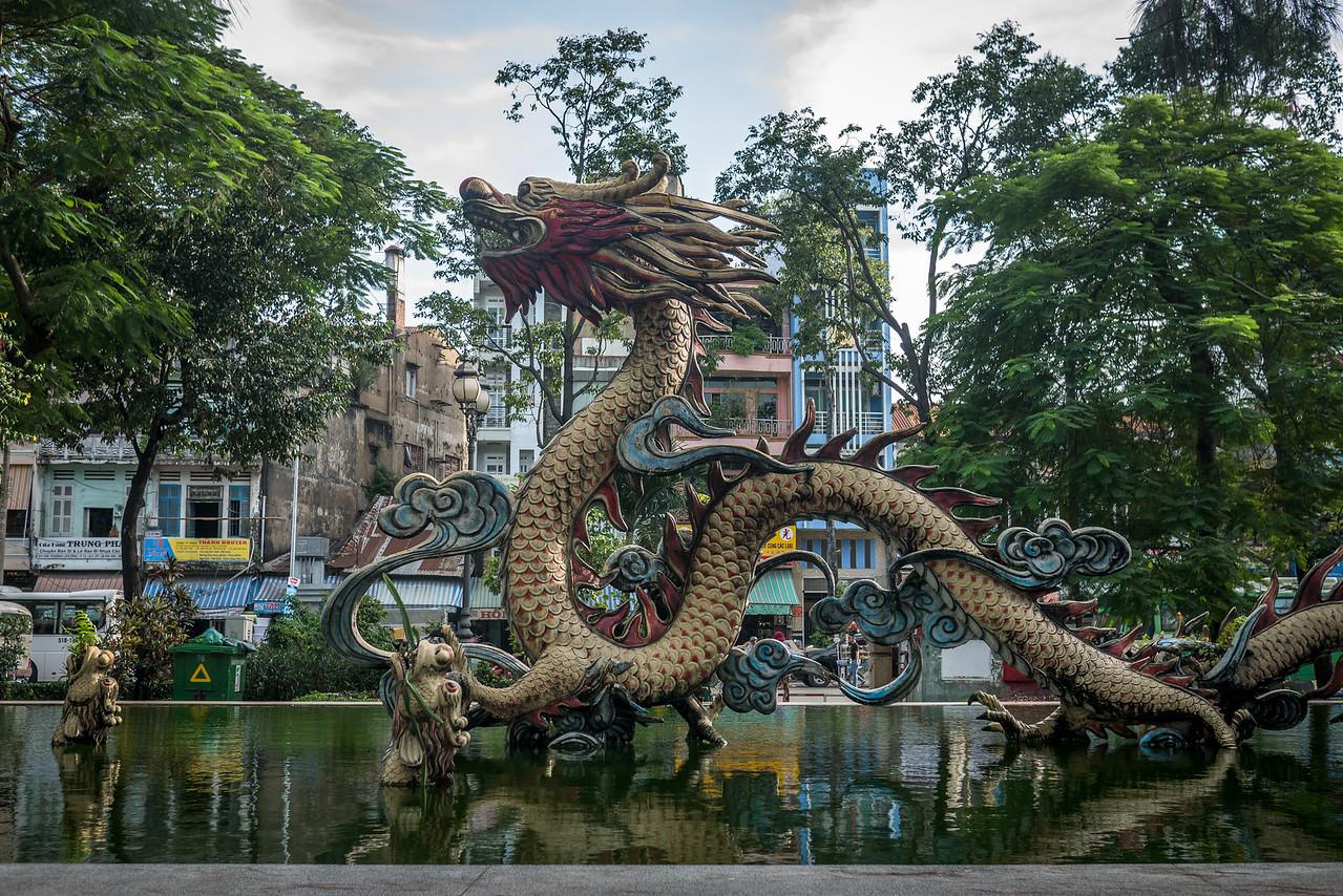 Dragon fountain in Cholon.