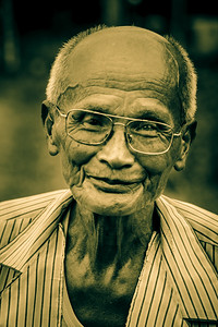 Portrait of an old farmer met at Tam Coc.