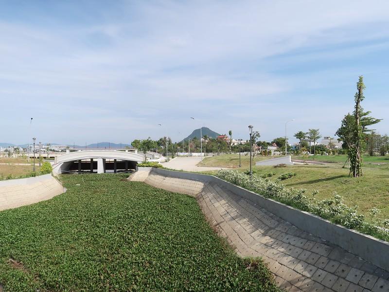 Ho Son Lake river