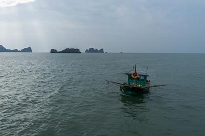 Ha Long Bay fisherman