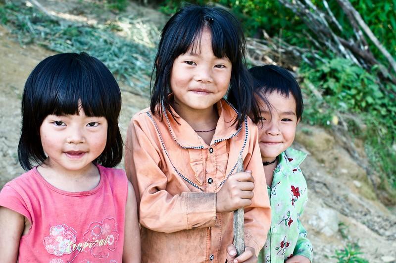 Kids at Ta Phin Village