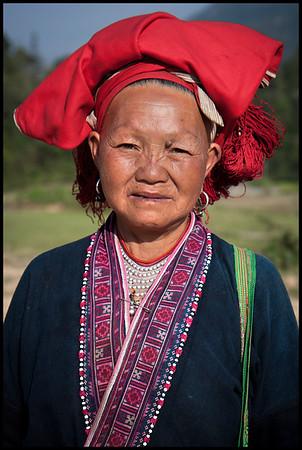 Red Dao elder, Ta Phin