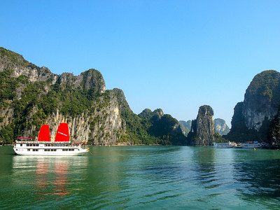 Sailing Ha Long Bay, Vietnam