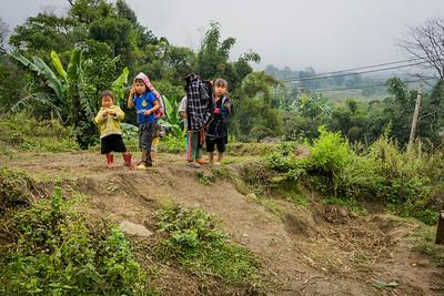 Local kids in Sapa