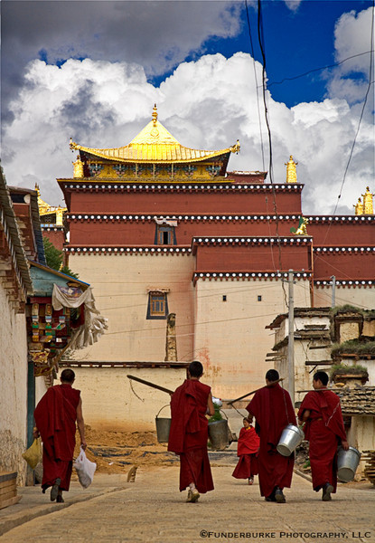 Monks at Sonzanlin Monastery - Zhongdian