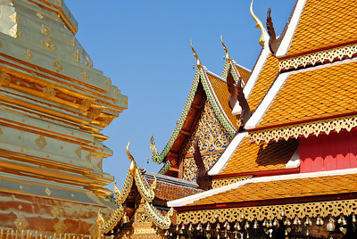 The gorgeous roofs of the temples at Doi Suthep in Chiang Mai, Thailand (Claire)