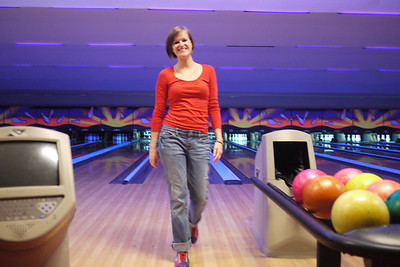 Lindsay coming back from her turn bowling.