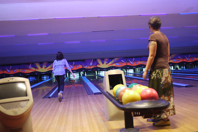 Shawna brings out some of her great bowling moves at Lanna bowling in Chiang Mai.