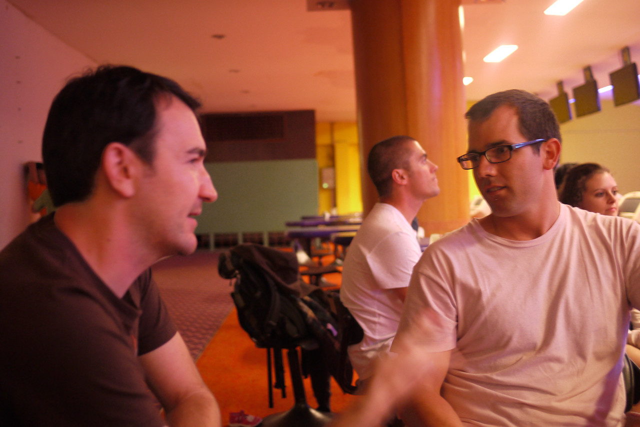 Chais and Sean enjoy some chit chat.