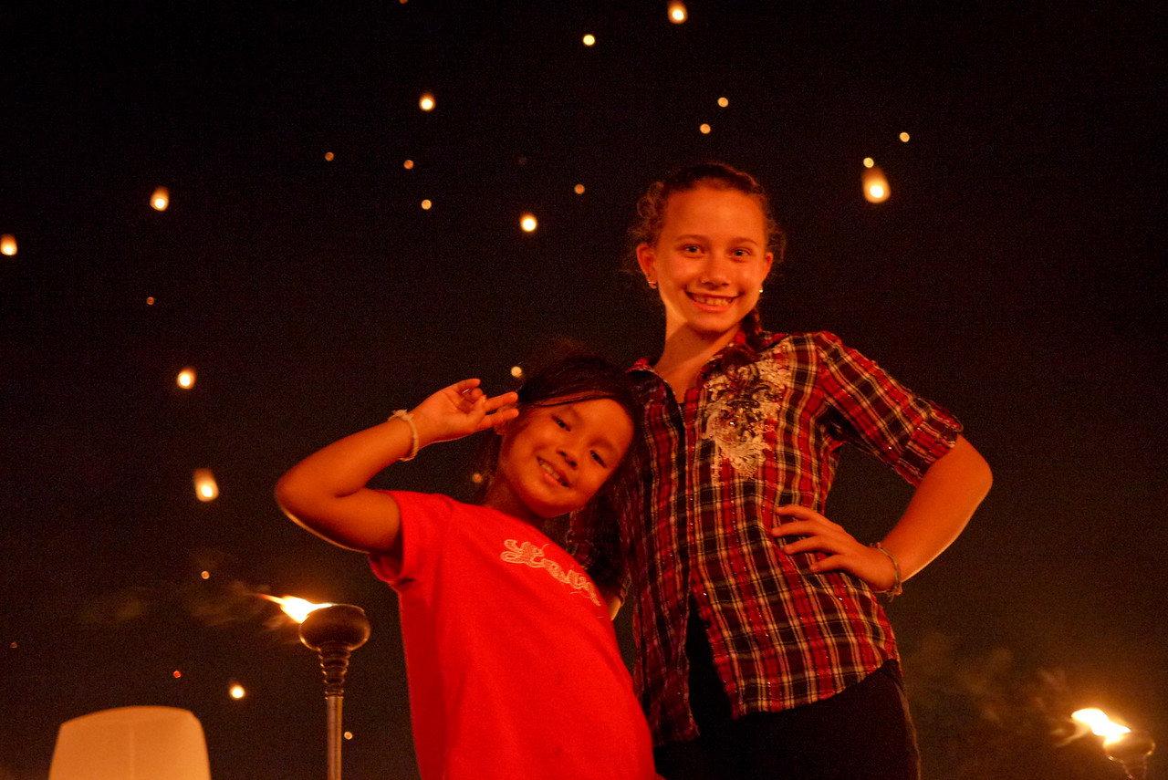 Ana and M during Loy Krathong in Chiang Mai, Thailand