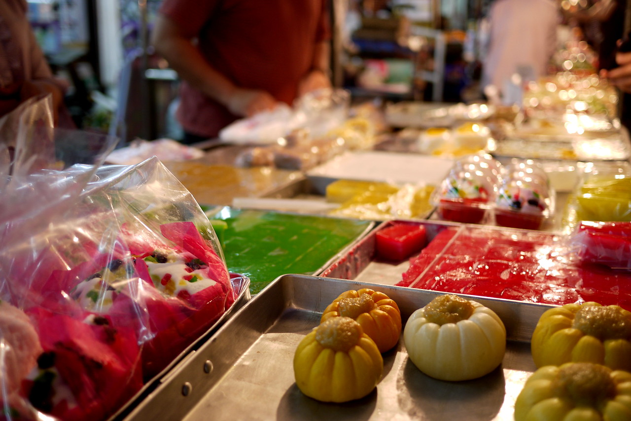 Sweet desserts at the Chiang Mai Gate Night Market.