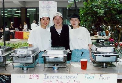 International Food Fairs at UH