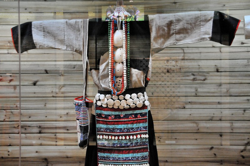 Kunming - Musée des Minorités - Costume Zhuang - 昆明。 民族博物馆