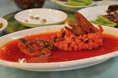 Luding - Un délicieux poisson au dîner - 泸定