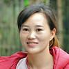 Une belle Yao, trop prise pour passer le costume traditionnel - 瑶族